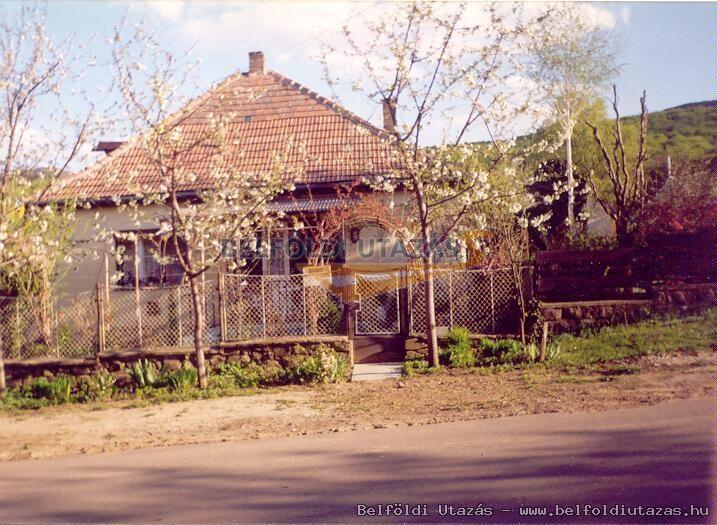 Virágos Vendégház (1)