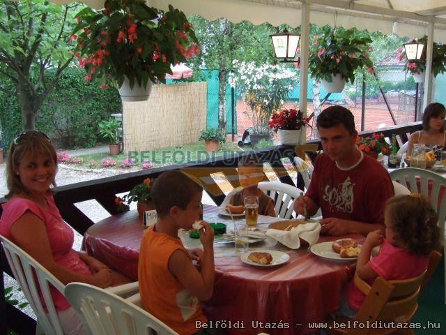 Dinner on the terracce