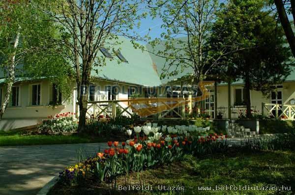 Alcsi-Holt-Tisza Konferencia- és Szabadidőközpont Klubhotel (2)