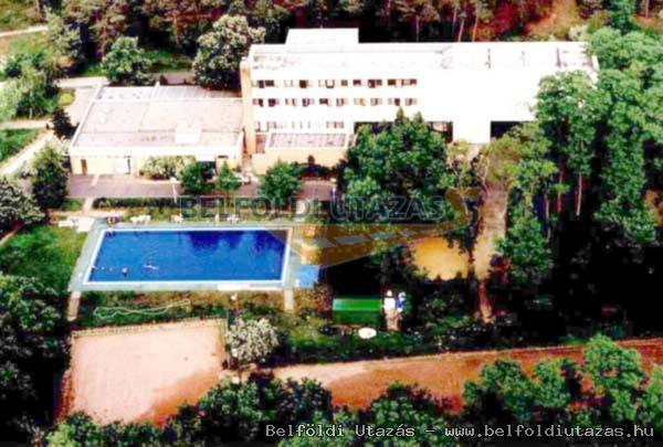 Park Szálloda és Fenyves Turistaház (1)