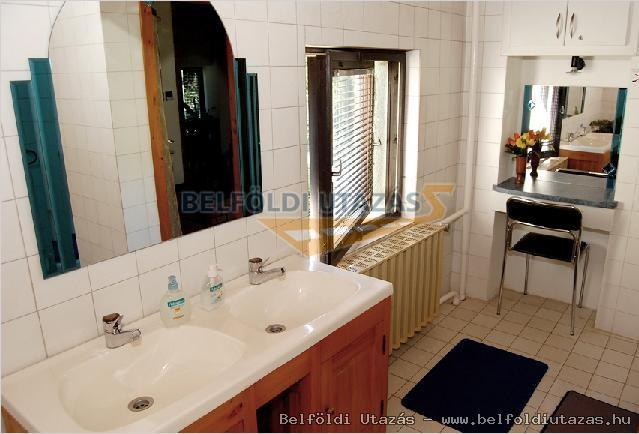 családi fürdőszoba 2.