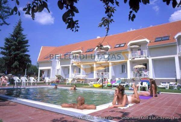 Villa Sederkyn Apartmanház (1)