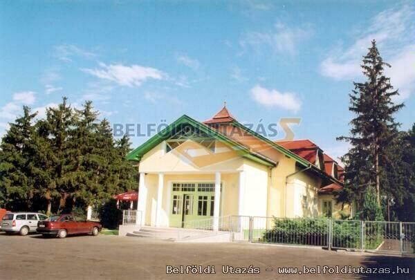 Park Motel (2)