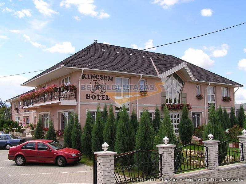 Kincsem Wellness Hotel und Restaurant (2)