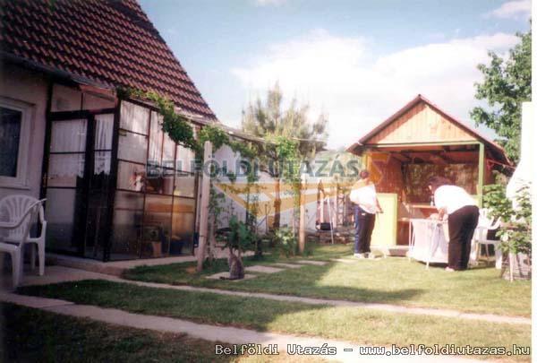 Szivárvány Üdülőház (1)