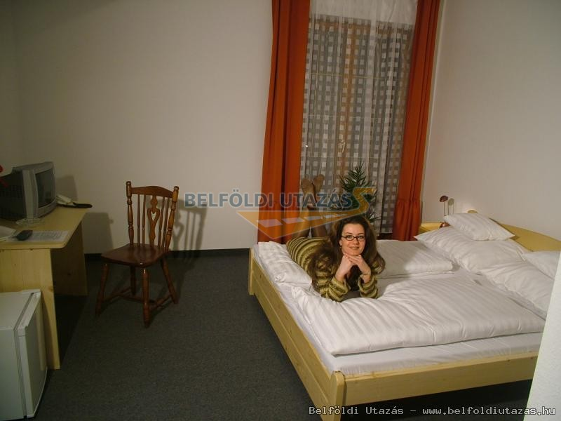 Hajnal Hotel (2)