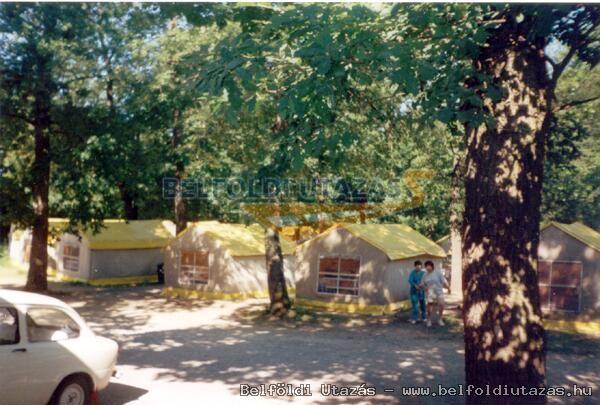 Kemping és Ifjúsági Tábor (1)