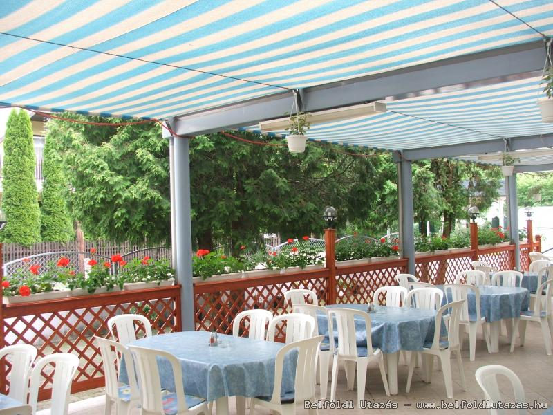 Boglárka Pension-Restaurant (12)