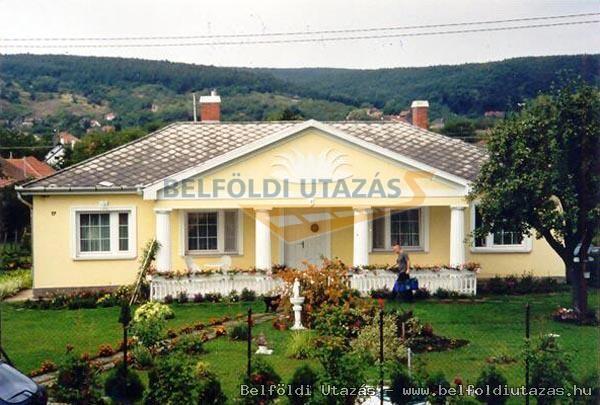 Karádi Ház (1)