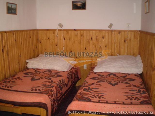 kis apartman: szoba