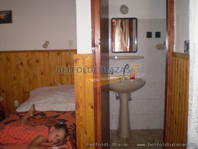 kis apartman: fürdőszoba