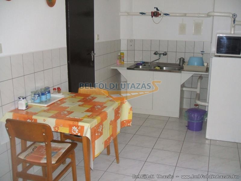 apartman2 kitchen