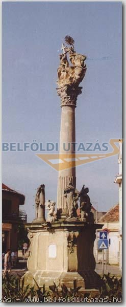 Szentháromság-szobor (1)