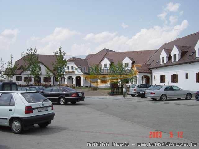 Gastland M1 Hotel*** Étterem és Konferenciaközpont Páty (3)
