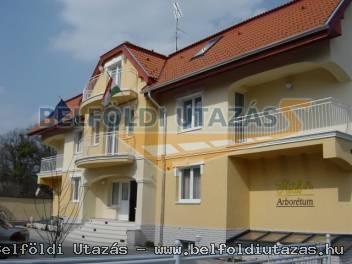 Hotel Arborétum *** (1)