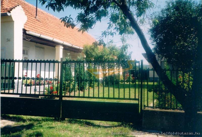 Sztancsik Ház (1)