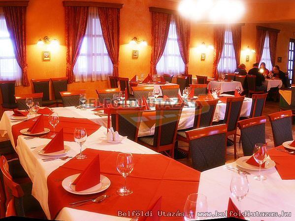 Gastland M0 Hotel Étterem és Konferenciaközpont (10)