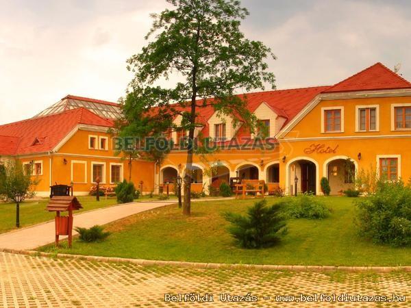 Gastland M0 Hotel Étterem és Konferenciaközpont (1)