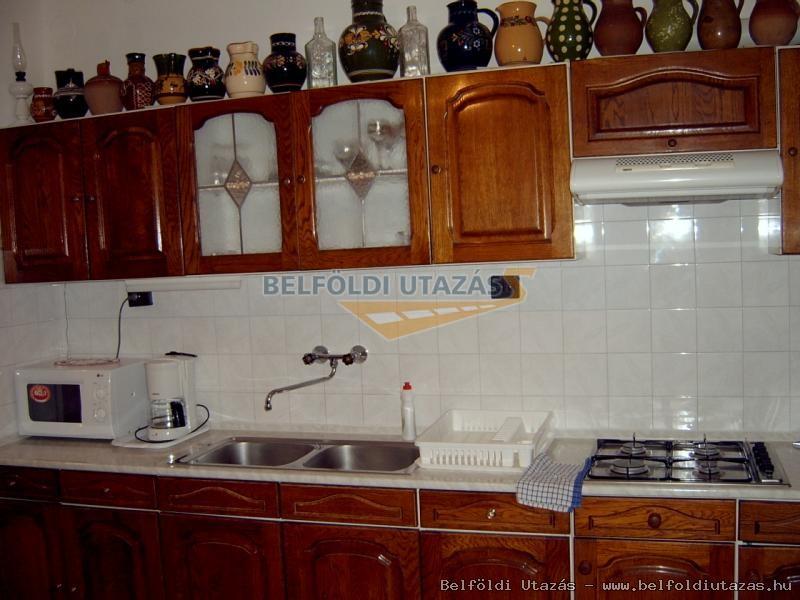 középső szint, konyha