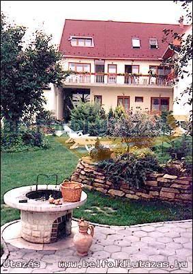 Átrium Apartmanház (1)