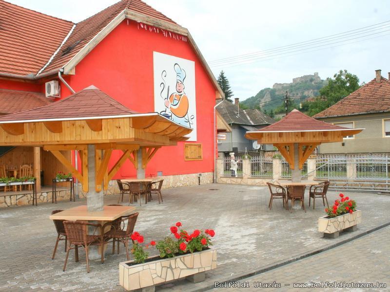 Castle Pension & Restaurant (2)