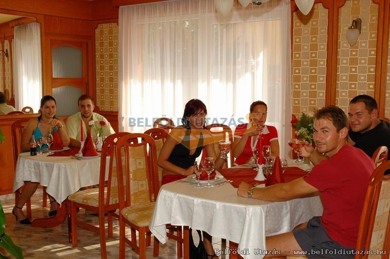 Karádi Hotel**** (11)