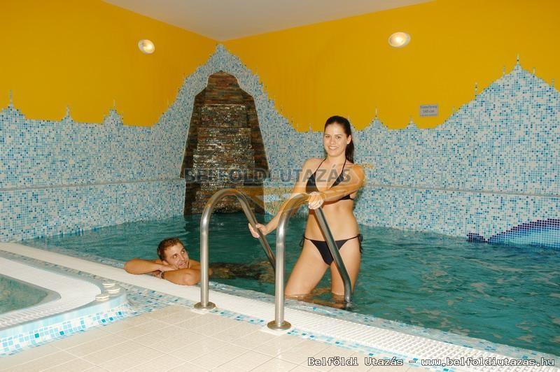 Karádi Hotel**** (13)