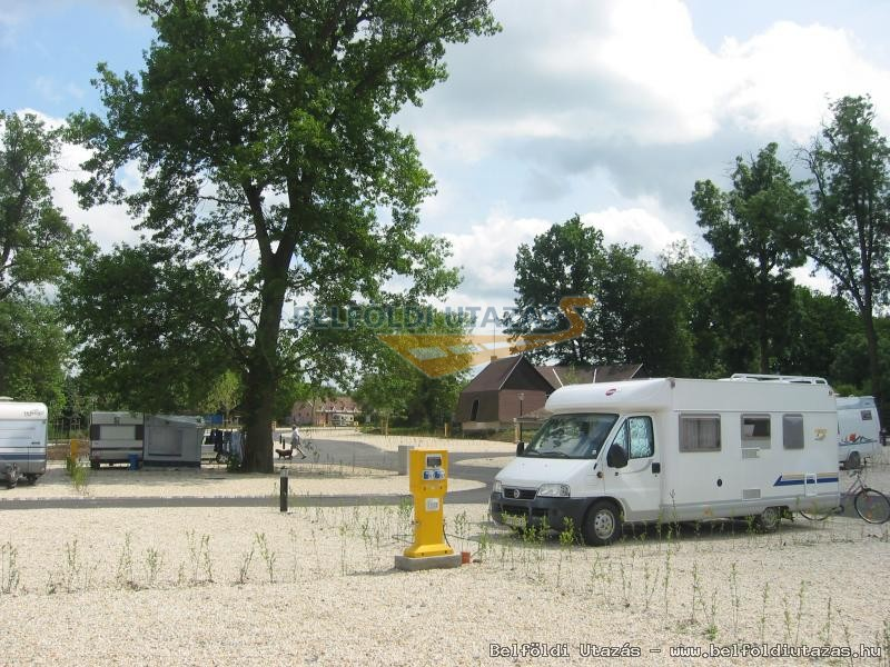 Thermal Camping Sárvár**** (1)
