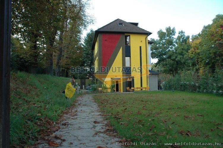 Grand Hostel (1)