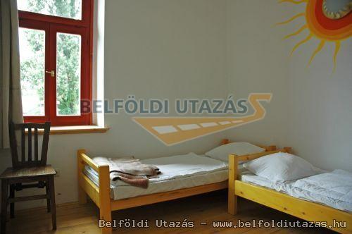Hullám Hostel (2)