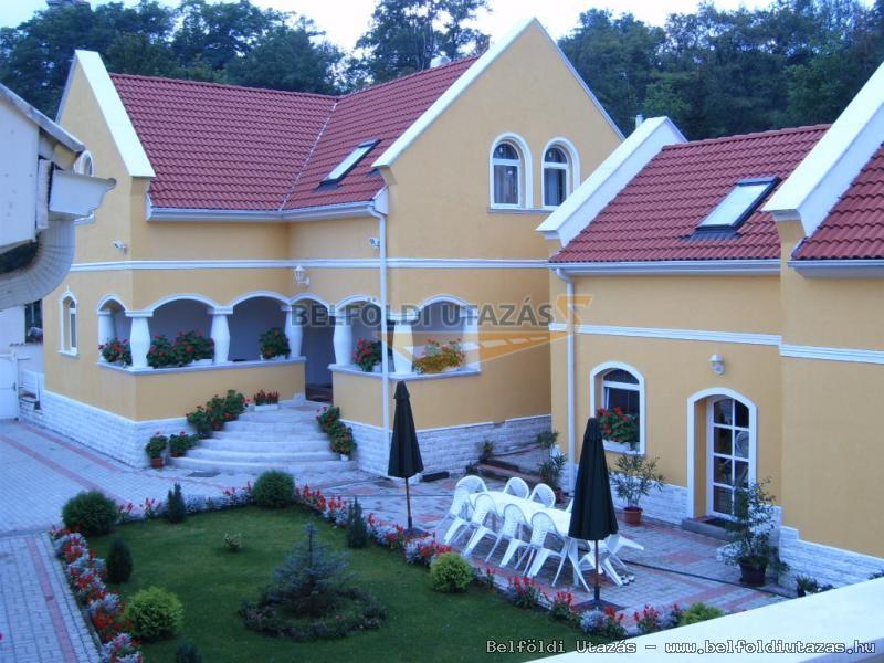 Dédestapolcsányi Villapark (1)