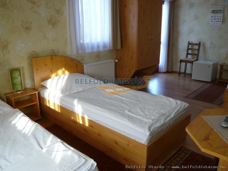 5 ágyas szoba - alsó szint