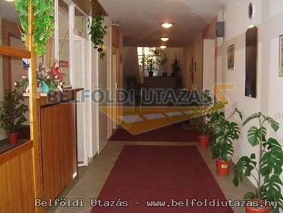 Hold Apartmanház (10)