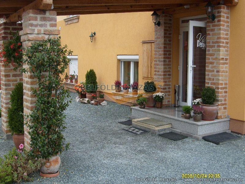 La Villa Pergola (2)