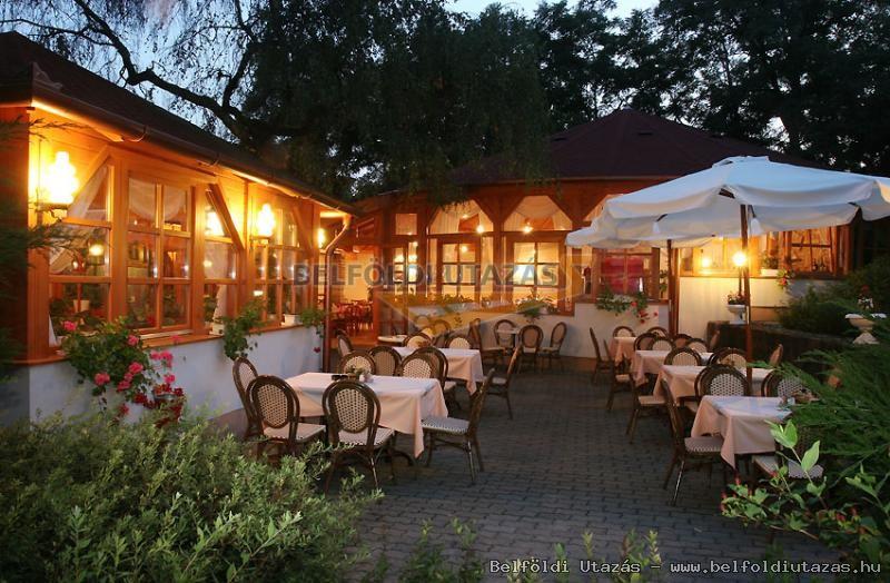Hotel Villa Völgy ****/*** (8)