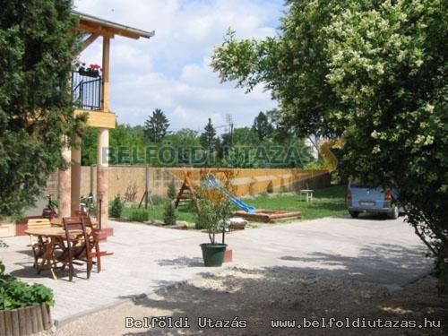 Hársfavirág Pizzéria Étterem Vendégház (2)