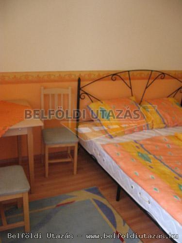 Hársfavirág Pizzéria Étterem Vendégház (6)