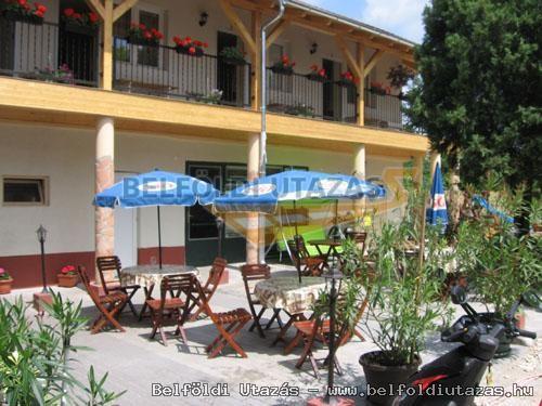 Hársfavirág Pizzéria Étterem Vendégház (15)