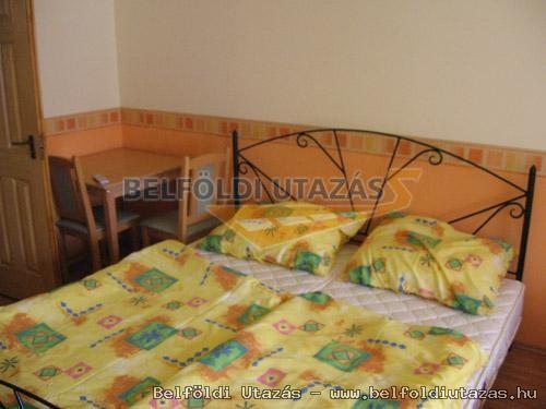 Hársfavirág Pizzéria Étterem Vendégház (7)