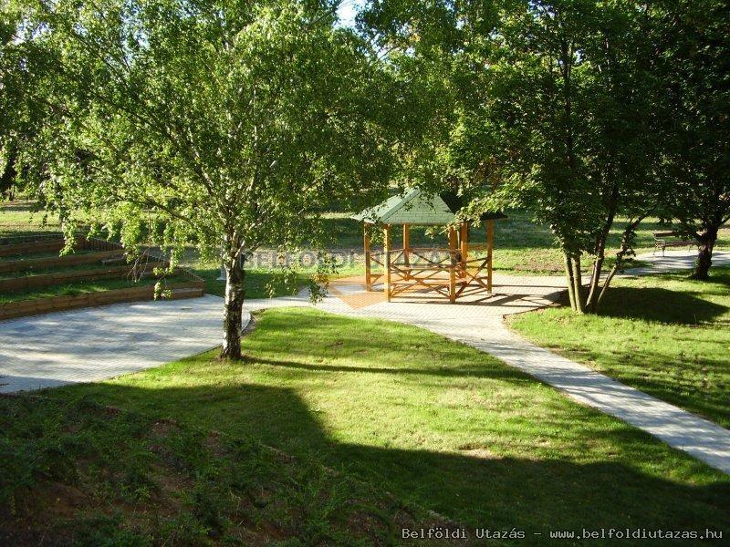 Flóra Termálfürdő -Hany Istók Kerékpáros Centrum, Panzió (8)