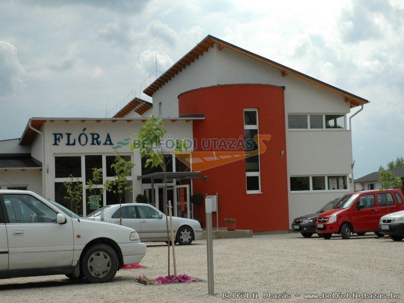 Flóra Termálfürdő -Hany Istók Kerékpáros Centrum, Panzió (3)