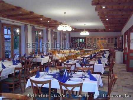 Bakony Hotel ** (6)