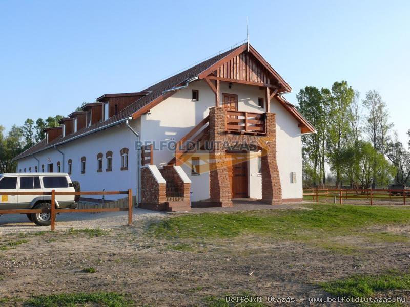Equital Lovasudvar (1)