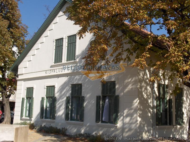 Városi Művelődési Központ