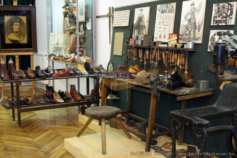 Cipőtörténeti gyűjtemény