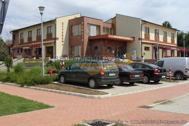 Flóra Termálfürdő - Apartmanházak, Étterem és Panzió (11)