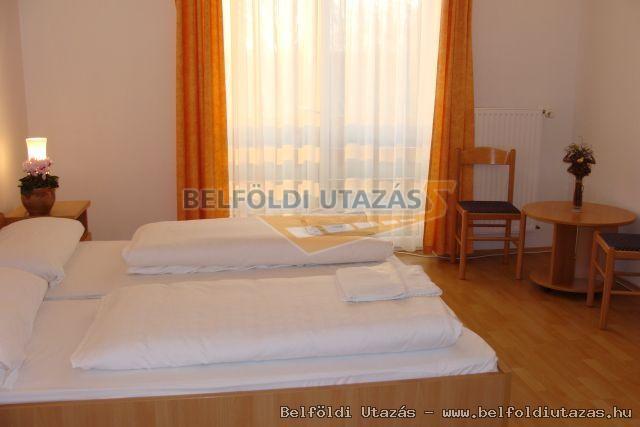 Flóra Termálfürdő - Apartmanházak, Étterem és Panzió (14)
