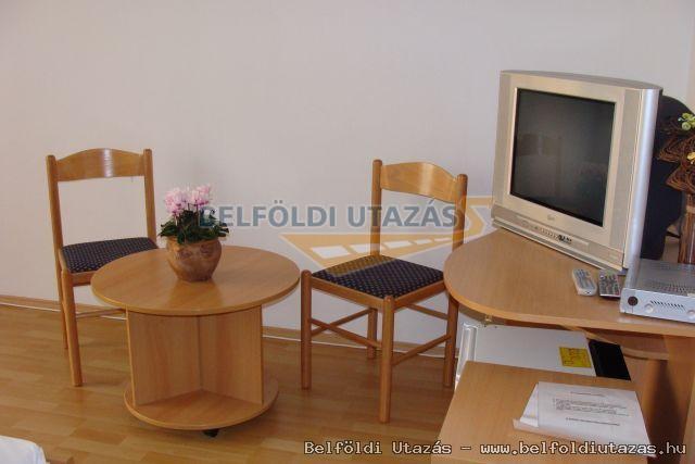 Flóra Termálfürdő - Apartmanházak, Étterem és Panzió (15)
