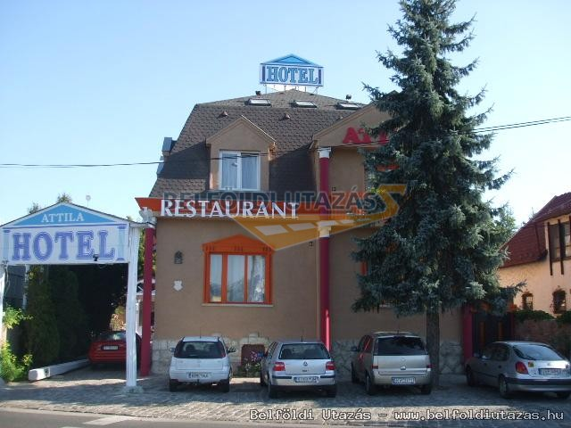 Attila Hotel & Panzió (1)