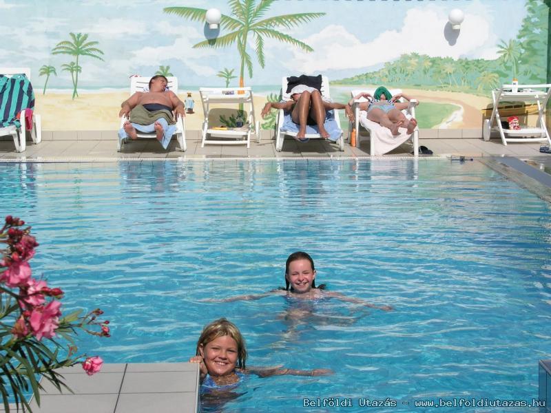 Két Korona Hotel-Kültéri medence